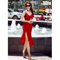 Sexy red dress Ngoc Trinh 135