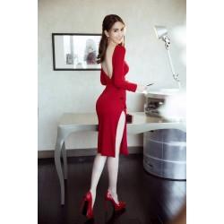 Robe rouge fendue 350